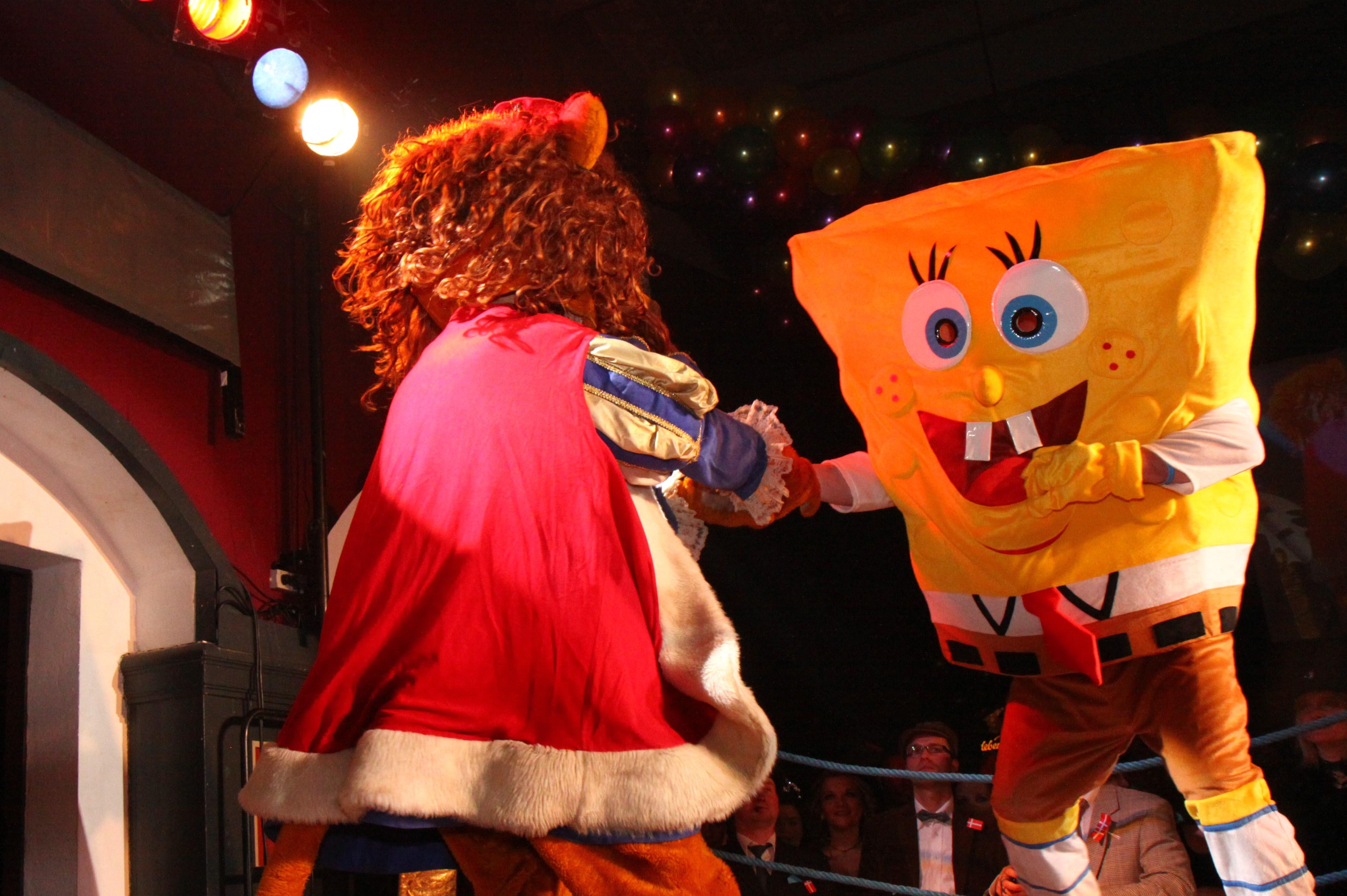 Spongebob und King Loui Kämpfen wie echte Männer!